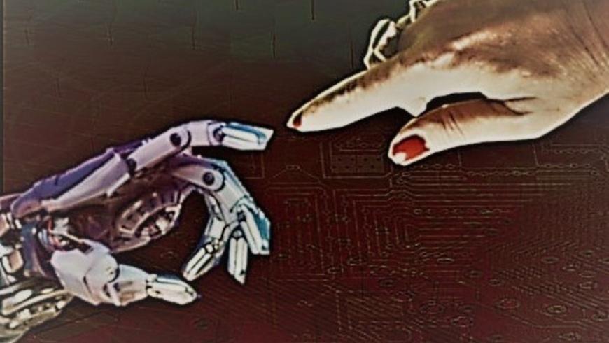 Roboterhand / Frauenhand